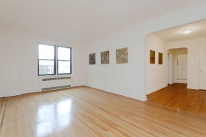 COOP for SALE - - 35-36 76th Street, #629, Jackson Heights, NY 11372 Living Room